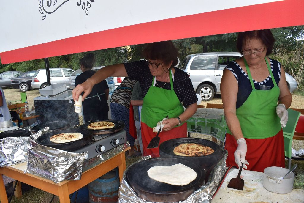 "The Culinary Traditions of Sakar Pay a Visit this Saturday to the Farmer's Market ""Pendara"" at Zhenski Pazar Market"