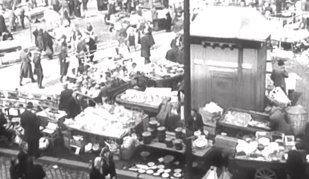 WOMAN'S MARKET IN NEWSREEL FROM 1940